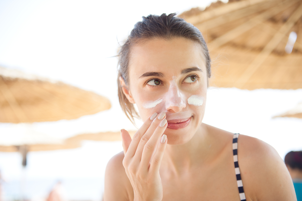 3 things a top dermatologist wants you to know about face sunscreen
